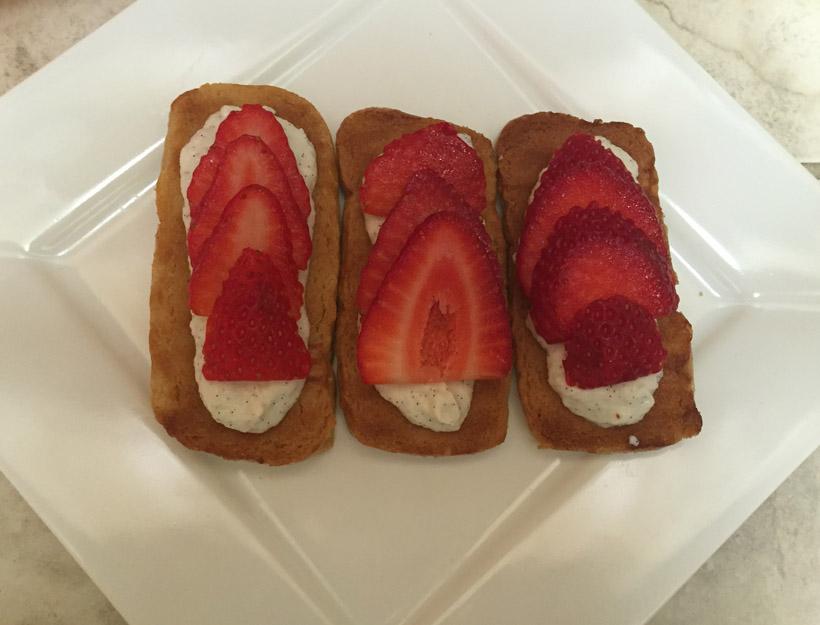 Kortni's Kitchen: Strawberry Crostini