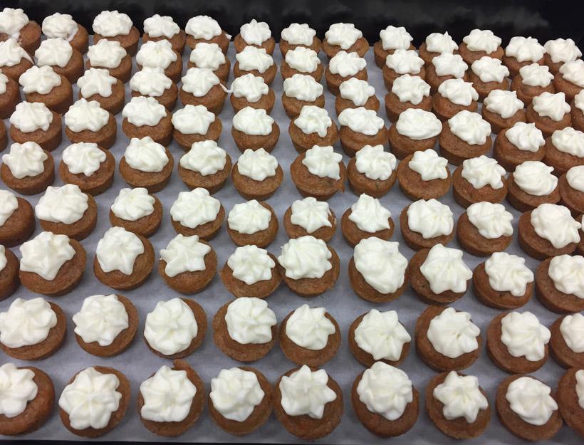Kortni's Kitchen: Mini Carrot Cupcakes