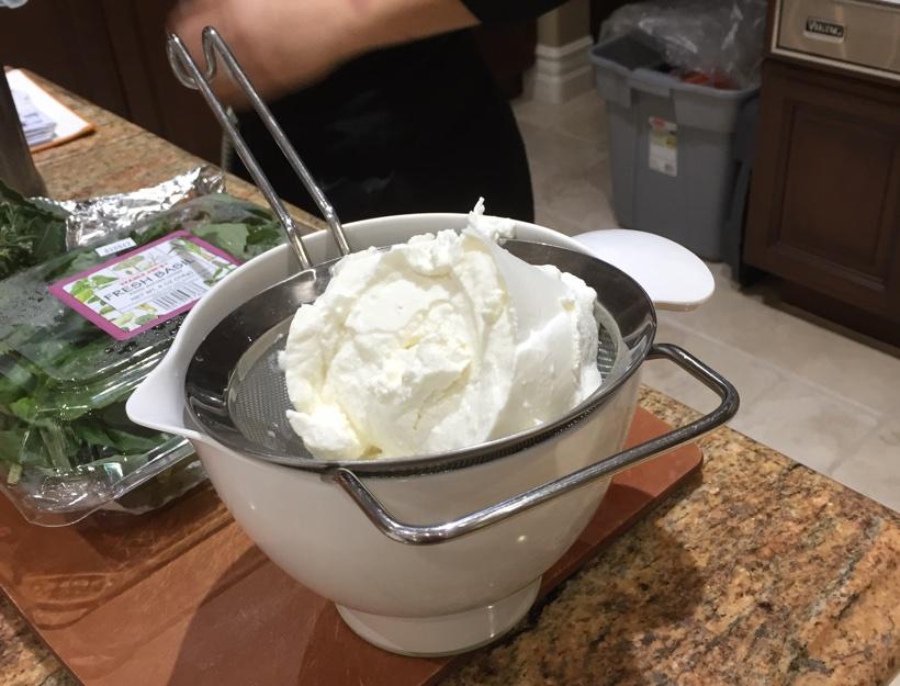 Kortni's Kitchen: Cannoli