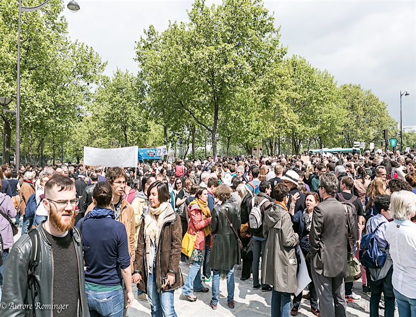 Paris Earth Day: Citizens, Visitors and French Institutions March for Science