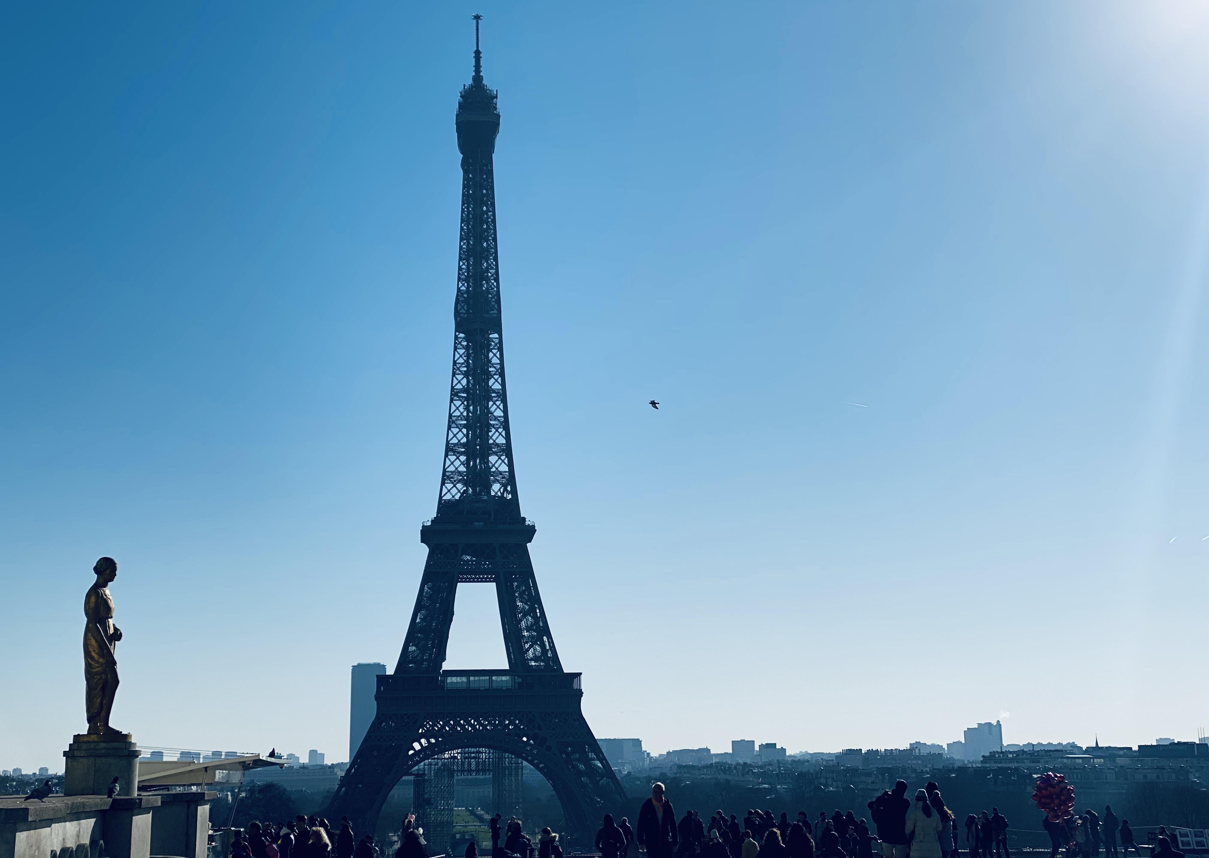Two Ladies @ The Trocadéro in Paris