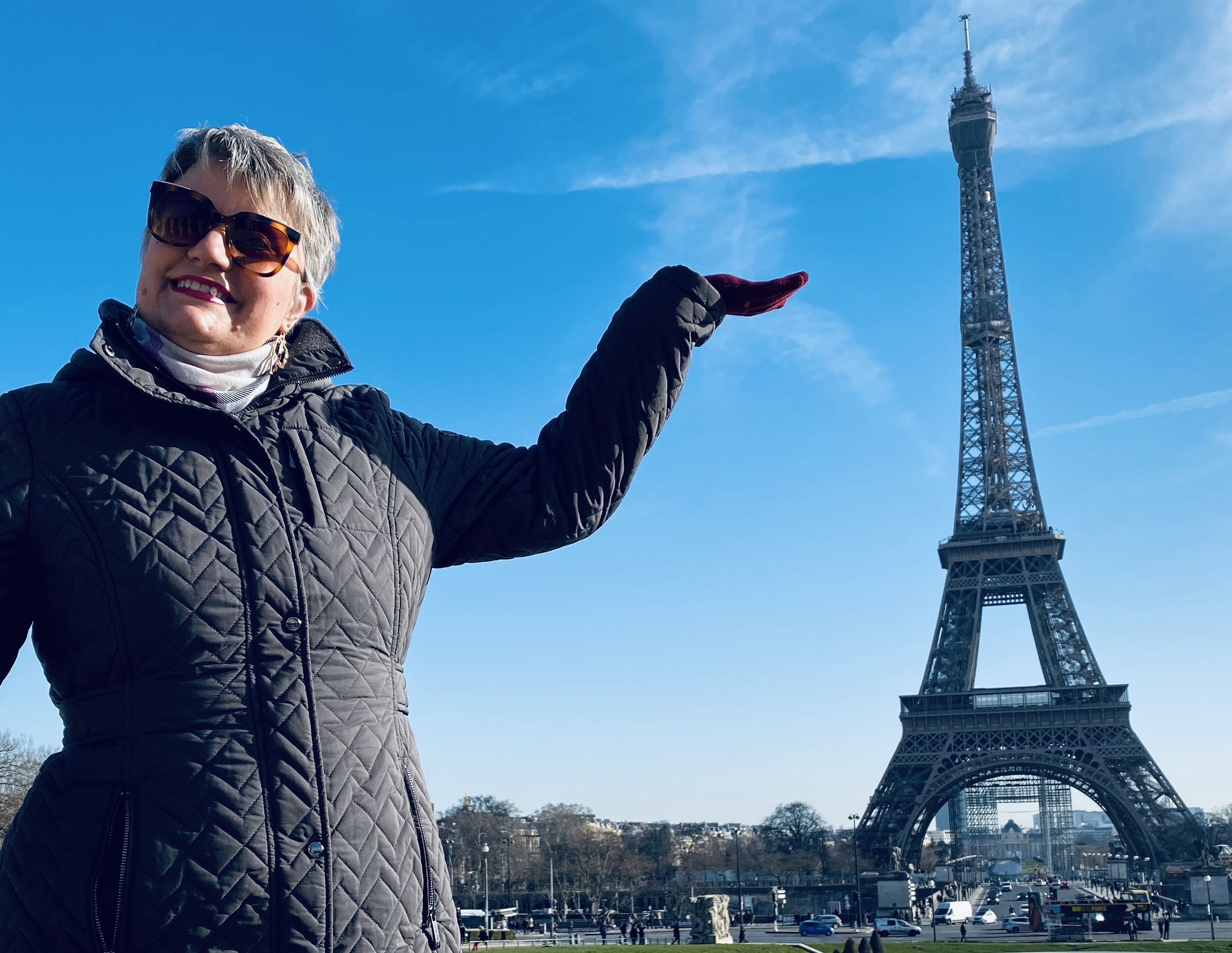 """Culture Honey founder Georgia Sanders introducing the new series """"From Pasadena to Paris"""" at Tour Eiffel in Paris!"""