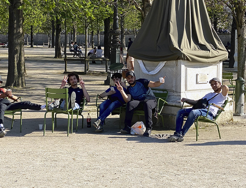 Friendly Boys in the quartier happy to be in Jardin des Truileries