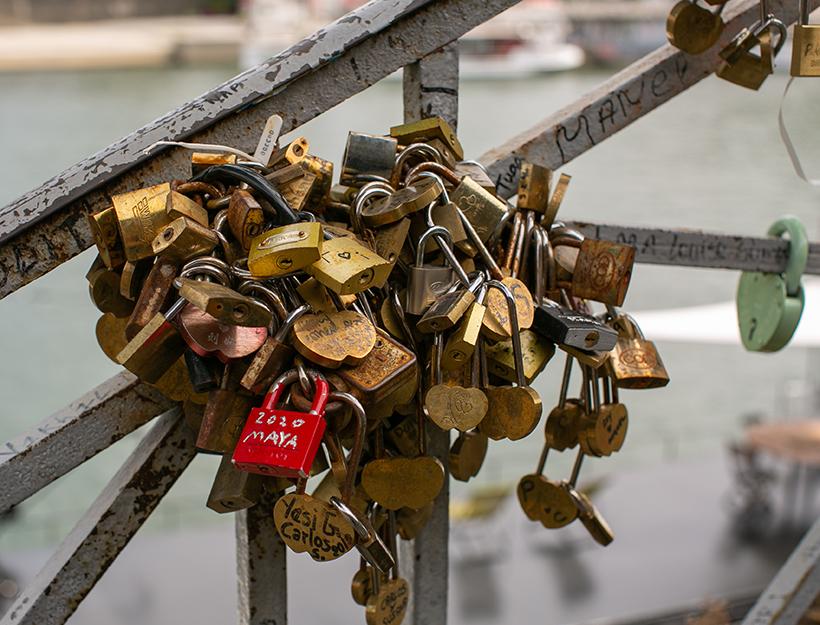 'Paris Life' metaphore - lockdown